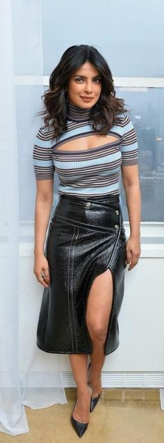Pc Actress Priyanka Chopra, Bollywood Actress, Celebrity Outfits, Celebrity Look, Indian Celebrities, Bollywood Celebrities, Star Fashion, Girl Fashion, Womens Fashion
