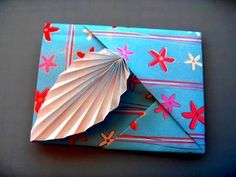 What if you need to write a letter but you can't find an envelope? Here is how to elegantly solve that problem in only 10 minutes. For more information follo. Box Origami, Origami Cards, Origami Envelope, Origami And Kirigami, Origami Paper Art, Origami Folding, Origami Easy, Paper Crafts, Diy Crafts