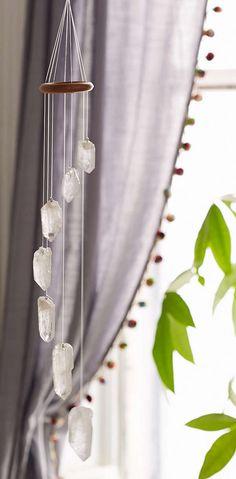 white quartz crystal mobile http://rstyle.me/n/vsyrspdpe
