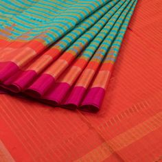 Venkie Reddy Handwoven Gadwal Kuttu Silk Saree with Checks & Temple Border 10006699 - AVISHYA.COM