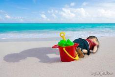 13 Images Hommages des Artistes du Monde Entier au petit Réfugié Syrien de 3 Ans mort sur une plage Turque