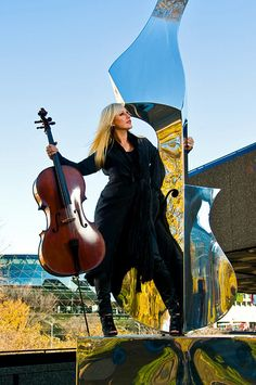 Amanda Forsyth : NACO Principal cellist.  www.dwaynebrown.com