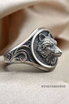 Mens Silver Wolf Ring, Wolf Head Men Ring, Oxidized Men Wolf Ring, Men Animal Jewelry, Signet Wolf M Wolf Jewelry, Animal Jewelry, Animal Rings, Jewelry Trends, Jewelry Accessories, Templer, Silver Rings Handmade, Mens Silver Rings, Silver Man