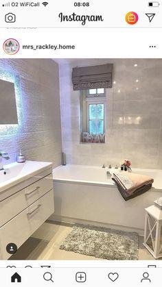 Bathroom Design Small, Bathroom Interior Design, Modern Bathroom, Bathtub Decor, Home Decor Kitchen, Bathroom Renovations, Bathroom Inspiration, New Homes, Decorating