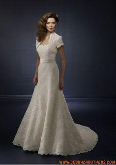 A-lijn kanten trouwjurk met kanten jasje
