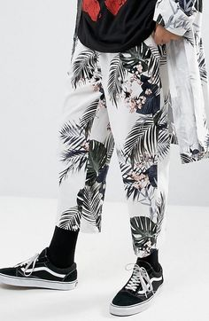 Reclaimed Vintage Inspired Relaxed Trousers In Floral Print  