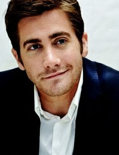 I'm putting Jake Gyllenhaal in my future house board because lets face it...he gorgeous and we will marry!