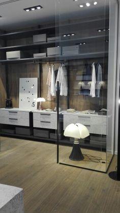 Cabina armadio, nuove finiture con marmo