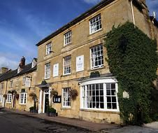 The Kings Hotel (Hotel) wedding venue in Chipping Campden, Gloucestershire Unusual Wedding Venues, Hotel Wedding Venues, Cotswolds Hotels, Indoor Picnic, Hotel King, Inside Design, Beautiful Hotels, Lodges, Perfect Place