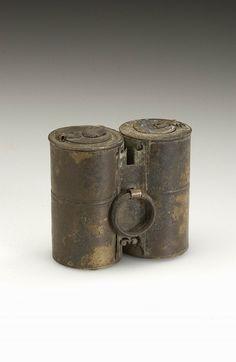 Double Roman inkwell, bronze, found in the Netherlands (Nijmegen/Waal).