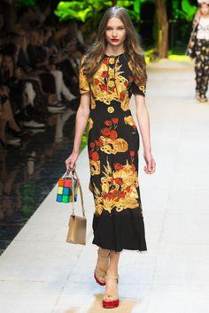 Dolce & Gabbana Spring 2017 Pasta, Gelato, and Vino