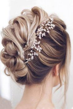 Top 21 Wedding Hairstyles For 2019  #coiffure #coiffures #Hairstyles #Top #wedding