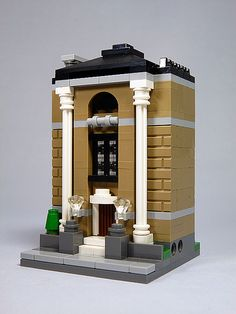 Mini modulars - public library Lego Modular, Lego Design, Lego Minifigure Display, Micro Lego, Lego Boards, Lego Mecha, Lego Architecture, Lego House, Lego City