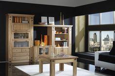 Linea de comedor de fabricación exclusiva combinando la madera maciza con tallas geométricas y molduras prominentes