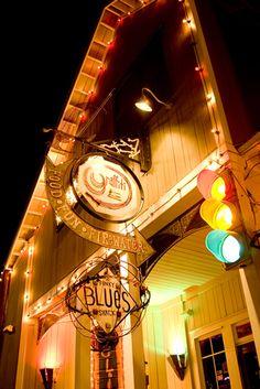 Graffiti at Sandestin and Funky Blues Shack - live music Travel Chic, Vacation Travel, Vacation Trips, Day Trips, Vacations, Sandestin Florida, Sandestin Golf And Beach Resort, Visit Florida, Florida Beaches