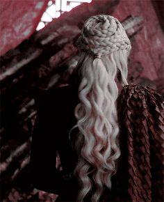 Game of Thrones :Daenerys Targaryen Got Game Of Thrones, Game Of Thrones Quotes, Game Of Thrones Funny, Daenerys Targaryen, Emilia Clarke, Khaleesi Hair, Game Of Thrones Instagram, The Mother Of Dragons, Game Of Throne Daenerys