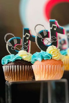 Check out this fab Tik Tok birthday party! The cupcakes are awesome! See more party ideas and share yours at CatchMyParty.com #catchmyparty #partyideas #tiktok #tiktokparty #girlbirthdayparty #cupcakes