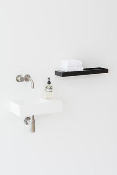 Blend handrinse is available in white Hi-Macs. If you can't find the size that you are looking for have a look at our Made to Measure page. Blend handrinse is also customisable. #notonlywhite #himacs #mariestellamaris #bathroom
