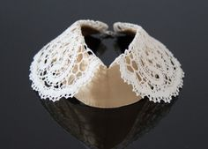 Lace and silk collar handmade by the Polish masters of handicraft with a cooperation with the fashion designer