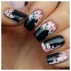 black-coating-flower-nail-design