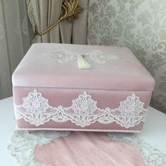 Kadife Kutu | Pudra Fabric Covered Boxes, Fabric Boxes, Bead Embroidery Patterns, Beaded Embroidery, Girl Bedroom Designs, Girls Bedroom, Marriage Gifts, The Home Edit, Jewellery Boxes