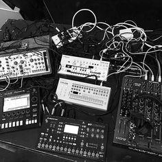 #matthewdear 's Live setup lastnight @outputclub #undrgrnd #techno #tr09 #tb03 #toraiz #eurorack #modularsynth #octatrack #allenandheath #xone92