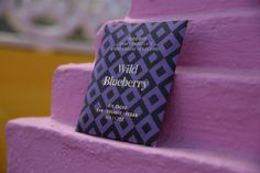 Unique combination of raw chocolate and wild blueberries gathered from the Finnish wilderness. Organic Chocolate, Raw Chocolate, Blueberry Powder, Packaging Design Inspiration, Design Packaging, Product Packaging, Wild Blueberries, Hallmark Cards, Chocolate Packaging