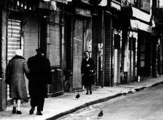 1972 - Belleville démoli - Paris Unplugged Menilmontant Paris, Belleville Paris, As Time Passes, Monochrome, London, City, Hui, Birds, Black