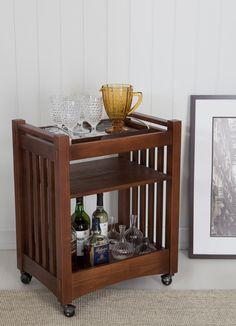 Carrinho bar da Mobly para você usar no cantinho do seu quarto ou da sala de estar ;) Que tal a ideia?