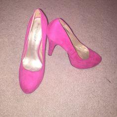 *SALE* Shoe Dazzle Platform Heels Very Cute Platform Heels! NWOT. Never been worn, just tried on. Shoe Dazzle Shoes