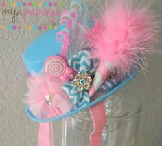 Cotton Candy Top Hat- Great for Birthdays, photo prop, pageants- Carnival, Circus, Cotton Candy Birthday Circus Top Hat Crazy Hat Day, Crazy Hats, Candy Costumes, Diy Costumes, Lollipop Costume, Candy Land Party, Anniversaire Candy Land, Fascinator, Maquillage Halloween