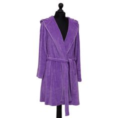 The soft, hooded womens bathrobe from Farbenfreunde in Violet is ideal for introducing some velvety, luxurious style to your bathroom. Easily cleaned in the washing machine at 30C and also easily dried in the tumble dryer on a low heat. A myriad of colours also available. Short Violet, Dryer, Washing Machine, Colours, Bathroom, Luxury, Stuff To Buy, Beautiful, Ideas