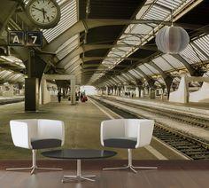 Fesselnd Bahnhof. Fototapete / Vliestapete XXLwallpaper 2. Motiv: 2,00x1,33 M.  Dekor: Natur. Raum: Büro, Schlafzimmer, Wohnzimmer. Farbe: Creme, Gelb,  Grau.