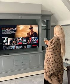 Life Of Billionaires Boujee Lifestyle, Wealthy Lifestyle, Luxury Lifestyle Fashion, Bougie Black Girl, Luxury Girl, Luxe Life, Netflix And Chill, Mode Outfits, Luxury Living