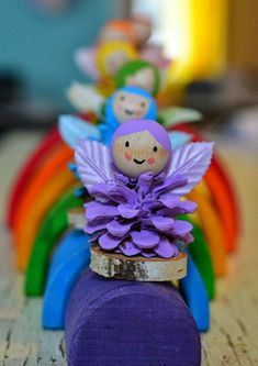 Pine Cone Rainbow Fairy Crafts What a jolly little rainbow craft we have here. Turn pine cones into a set of rainbow fairies! Aren't they totally adorable? Pine Cone Rainbow Fairy Crafts for the win! We love pine cones in our… Crafts To Make, Kids Crafts, Craft Projects, Arts And Crafts, Craft Ideas, Craft Tutorials, Fun Ideas, Pinecone Crafts Kids, Christmas Crafts