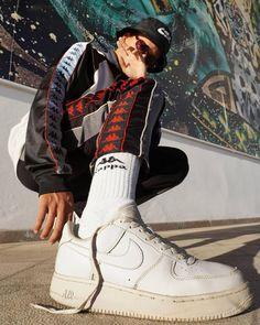 70 Ideas Street Fashion Photography Poses Style For 2019 Urban Fashion Photography, Portrait Photography Poses, Men Photography, Photography Lighting, Iphone Photography, Product Photography, Editorial Photography, Street Photography, Photography Tattoos