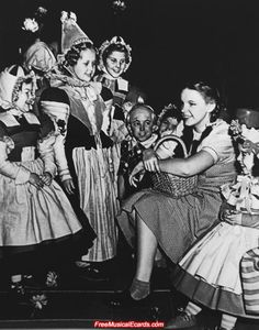 behind the scenes wizard of oz | Judy Garland as Dorothy on The Wizard of Oz set