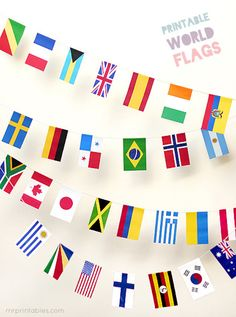 FREE printable World Flags Bunting. For a world travel themed party or to celebrate any international occasion. 100 countries printable world flags in one file, in perfect sizes to make party bunting with. Around The World Theme, We Are The World, Flags Of The World, Around The World Crafts For Kids, Geography Activities, Activities For Kids, Teaching Geography, World Geography, Mr Printables