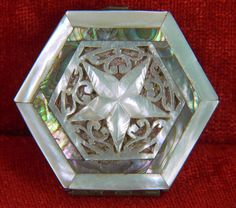 UNUSUAL DOUBLE COMPARTMENT CARVED MOTHER OF PEARL POWDER COMPACT & ROUGE HOLDER #Houbignant #powdercompactrougeholder