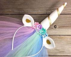 A fun way to turn the birthday girl and her guests into Princess Ponies! My Little Pony Costume, Little Pony Party, Halloween Party Costumes, Halloween Kostüm, Fantasia My Little Pony, Unicorn Horn Headband, Headband Hair, Crown Headband, Little Girl Dress Up