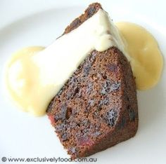 This steamed Christmas pudding is flavoured with a hint of spice and packed with dried and glace fruits. We use raisins, sultanas, dried d. Xmas Food, Christmas Cooking, Christmas Desserts, Christmas Treats, Christmas Things, Bubble Christmas, Christmas Dishes, Christmas Cakes, Christmas Kitchen
