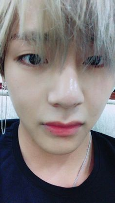 「fancafe」  #뷔 170924   전 (I) 아미생각중~~   am thinking of ARMYs~~ -TH