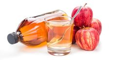Az almaecet nagyon egyszerű élelmiszer, ugyanakkor olyan nagyszerű, hogy muszáj, hogy nálad is legyen otthon mindig egy üveggel! Sokféle tünetet, betegséget természetes módon kezelhetsz a segítségével. Ha lefekvés előtt iszod, az alábbi problémákkal fogsz tudni könnyebben megbirkózni! Rossz emészté