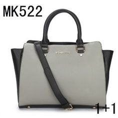 Michael Kors Purse Black Michael Kors purse. Mint condition. Used only a handful of times Michael Kors Bags Shoulder Bags