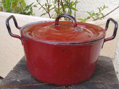 red pot - http://img2.etsystatic.com/006/0/6565718/il_fullxfull.366839370_x0a0.jpg