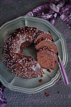 Czekoladowa baba gryczana z żurawiną Doughnut, Muffins, Gluten Free, Cooking Recipes, Cupcakes, Breakfast, Desserts, Food, Breads