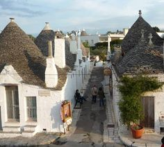 Alberobello Trulli Pictures - Picture of Trulli in Alberobello Italy Alberobello Italy, Places In Italy, Puglia Italy, Local Attractions, Hotels Near, Architecture, Italy Travel, Countryside, Beautiful Places