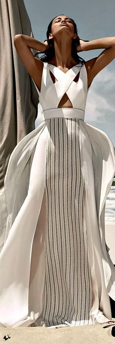 The Millionairess of Pennsylvania: Stunning White Summer Maxi Dress BCBG Max Azria Resort 2015. Jaglady