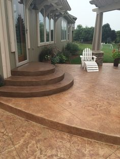 Want to upgrade the back steps of your patio? Here is a set of decorative concrete steps we did in Lee's Summit. #decorativeconcrete