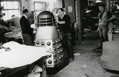 Four Daleks were made originally in Shawcraft in Uxbridge costing 250 quid in Shawcraft Models made special props and effects for the first few years of Doctor Who. Original Doctor Who, My Best Friend, Best Friends, All Doctor Who, Doctor Who Companions, Spaceship Concept, Doctor Johns, Dalek, Time Lords